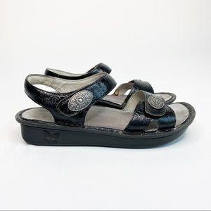 Alegria VIE-871 Velcro Embossed Sandals Black 36